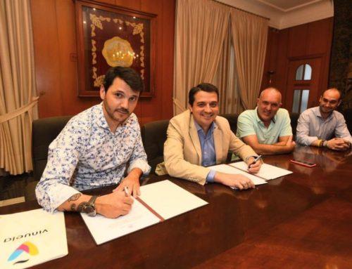 El Ayuntamiento compromete su apoyo al comercio de La Viñuela